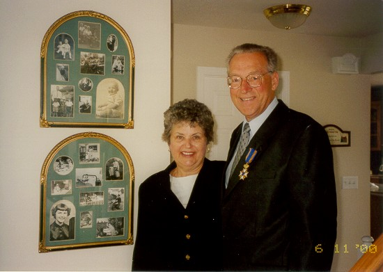 Robert and Joan with knighthood medallion photo